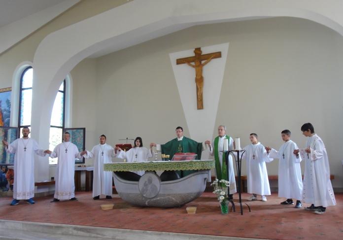 Don orione albania elbasan messa domenicale nella - Professione casa mestre ...