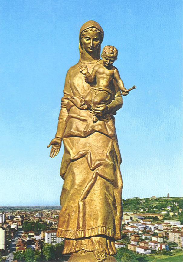 La statua della Madonna della Guardia, a Tortona