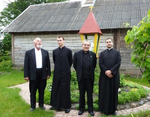 Don Steczkowski, don Flavio, Yury e Dumitru (bielorussi )