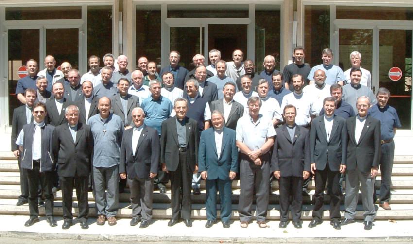 Ariccia (RM) 2004. Religiosi partecipanti al XII Capitolo Generale