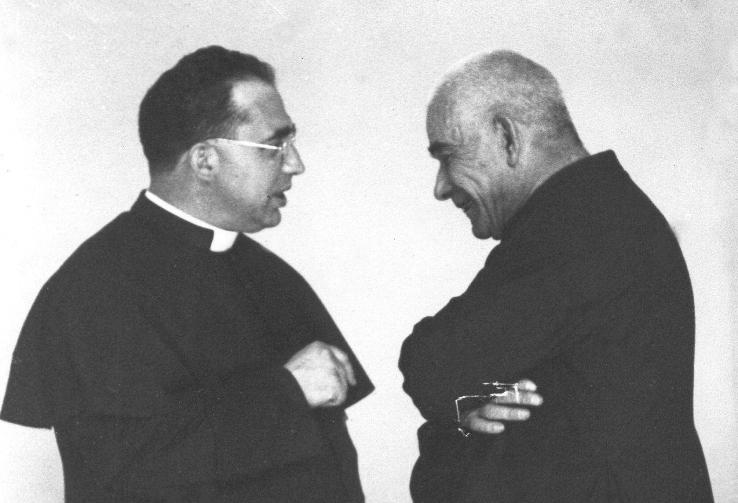 Don Orione conversa con Don Umberto Terenzi